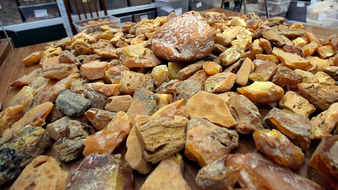 покупка янтаря сырца в калининграде